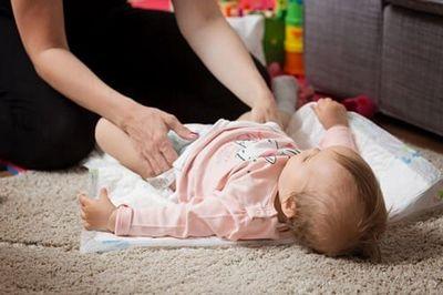 อะไรทำให้หัวนมที่บอบบางในทารก?